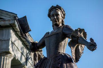 Mercy Otis Warren bronze statue at Barnstable County Courthouse, Massachusetts.