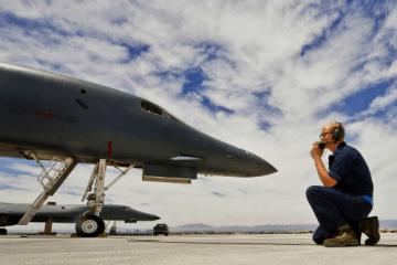 b-1-bomber-wikimedia