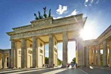 Brandenburg-Gate-Pictures-633x450