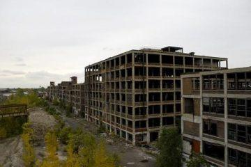The-Ruins-Of-Detroit-Photo-by-Csmcm-460x307